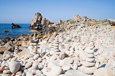 Pebbles on st agnes beach in the isles of scilly - p9244163f by Image Source