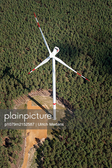 Wind farm in the forest - p1079m2152587 by Ulrich Mertens