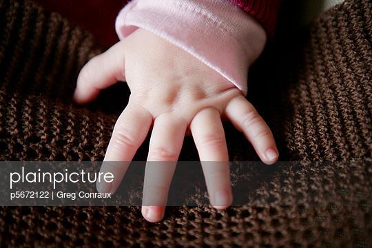 Babyhand - p5672122 von Greg Conraux