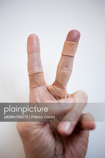 Verletzt - p628m740273 von Franco Cozzo