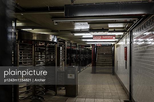 Penn Station U-Bahn in New York - p1243m1154821 von Archer