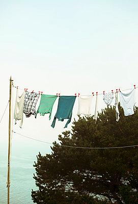Wäsche trocknen - p432m854495 von mia takahara