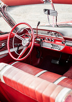 Classic car interior - p971m1463259 by Reilika Landen