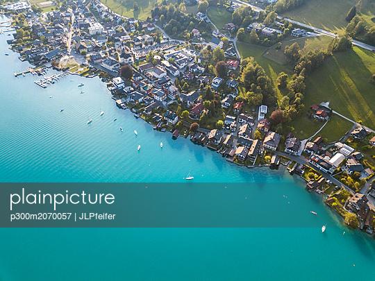 Austria, Upper Austria, Weyregg , Lake Attersee - p300m2070057 by JLPfeifer