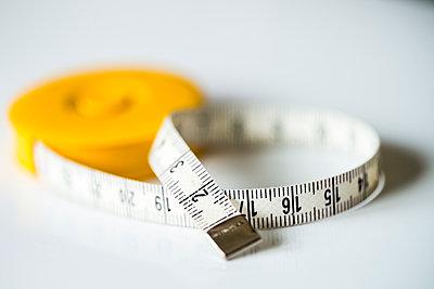 Tape measure - p1418m1572266 by Jan Håkan Dahlström
