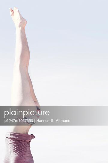 Sidewise - p1247m1057550 by Hannes S. Altmann