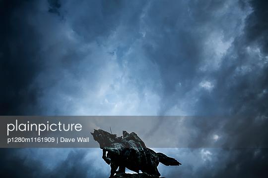 Reiterdenkmal - p1280m1161909 von Dave Wall