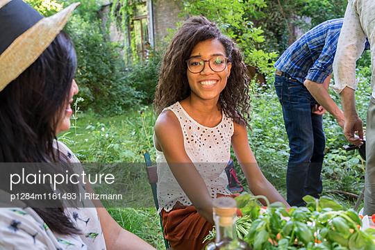 Im Garten - p1284m1161493 von Ritzmann