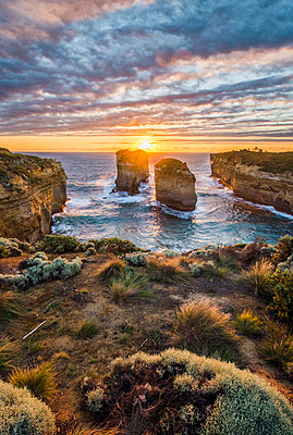 Loch Ard Gorge, Port Campbell National Park, Victoria, Australia. - p651m2006263 by Marco Bottigelli