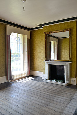 Georgian living room - p1121m1572877 by Gail Symes