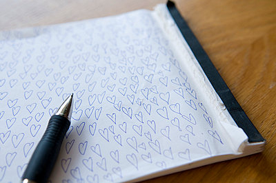 Drawing hearts on paper - p3100360 by Astrid Doerenbruch