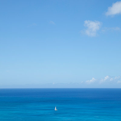 View from Waikiki Beach, Hawaii - p495m1034284 by Jeanene Scott