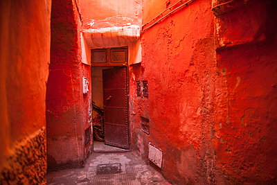 Alley in the Medina, UNESCO World Heritage Site, Marrakech, Morocco, North Africa, Africa - p871m927409 by Neil Emmerson