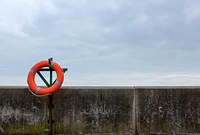 Life buoy - p1228m1123738 by Benjamin Harte