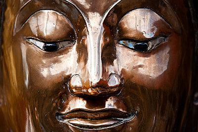 Buddah Kopf im Wat Phra That Doi Suthep Tempel - p979m1036142 von Andreas Pufal