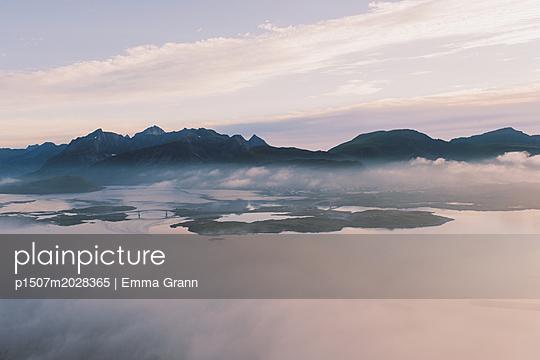 Lofoten - p1507m2028365 von Emma Grann