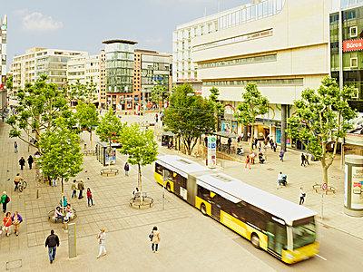 Königstraße in Stuttgart - p982m918200 von Thomas Herrmann
