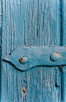 Clambering - p1003m906247 by Terje Rakke
