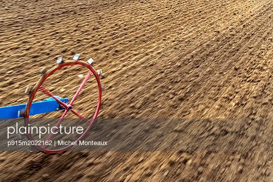 Aussaat - p915m2022162 von Michel Monteaux