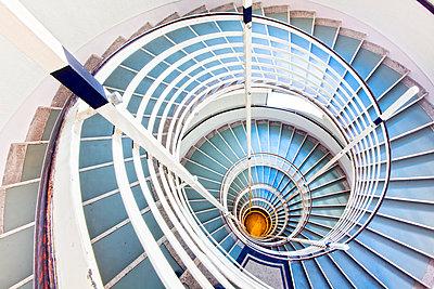 Winding staircase - p1205m1106439 by Toni Anzenberger