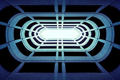 Futuristic structure - p1228m1044271 by Benjamin Harte