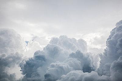 Wolkenlandschaft - p712m1160018 von Jana Kay