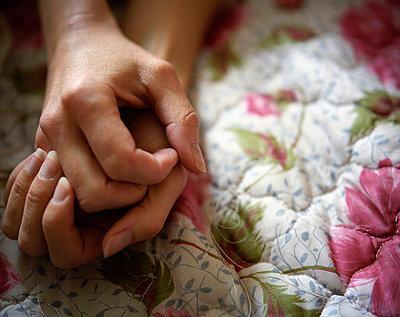 Hände - p945m701090 von aurelia frey