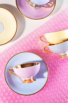 Wrapping cups - p1149m2271370 by Yvonne Röder