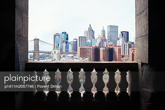 Skyline of Manhattan - p1411m2057746 by Florent Drillon
