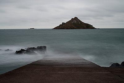 English Channel - p1631m2294912 by Raphaël Lorand