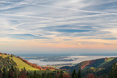 Germany, Upper Bavaria, Aschau, Chiemsee lake in autumn - p300m2060103 by Hans Mitterer