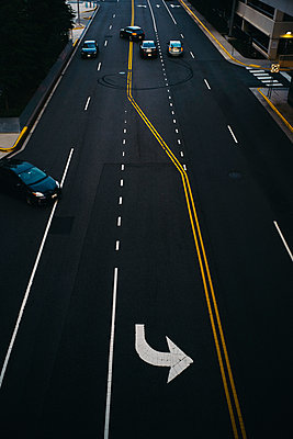 USA, Virginia, Fairfax county, Tysons Corner, elevated view on a road - p300m2079963 by Christian Gohdes