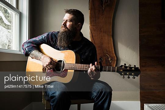 p429m1417575 von Mike Tittel