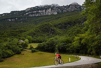 Rennrad fahren - p1294m1508123 von Sabine Bungert