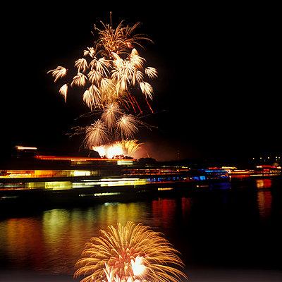 Fireworks - p2200055 by Kai Jabs