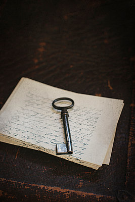 Key on old letters - p946m951093 by Maren Becker