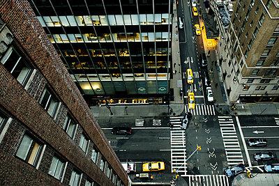 Yellow cab - p1041m854833 by Franckaparis