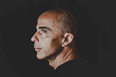 Portrait of a bald man - p445m1527832 by Marie Docher