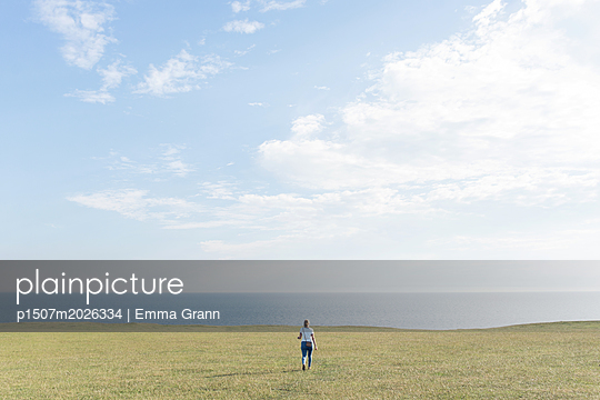 Small - p1507m2026334 by Emma Grann
