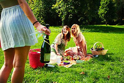 Freundinnen - p5850141 von fotofred