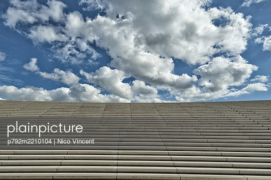 p792m2210104 by Nico Vincent