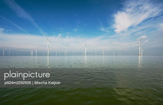 Netherlands, Friesland, Breezanddijk, Offshore wind turbines - p924m2292506 by Mischa Keijser