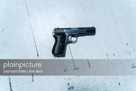 Pistole - p427m2013366 von R. Mohr