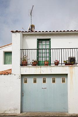 House - p4641925 by Elektrons 08