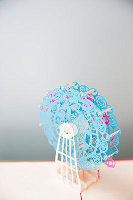 Ferris Wheel - p535m1058362 by Michelle Gibson