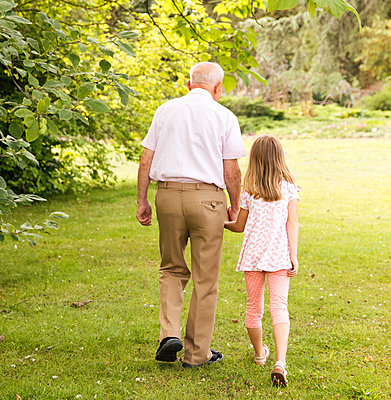 Grandfather and great-grandchild - p796m2132952 by Andrea Gottowik