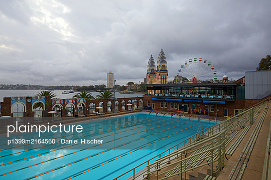 North Sydney Olympic Pool - p1399m2164560 by Daniel Hischer
