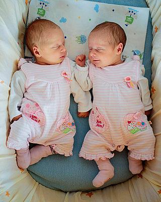 Schlafende Zwillinge - p1319m1209005 von Christian A. Werner