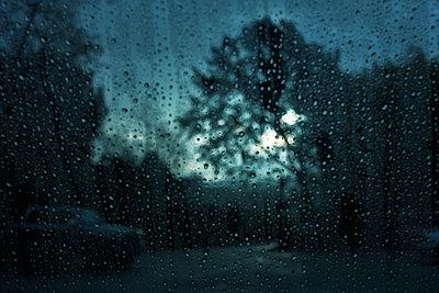 Rain day - p579m2043853 by Yabo