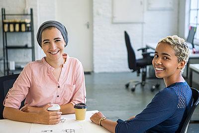 Frauen am Arbeitsplatz - p1156m1572732 von miep